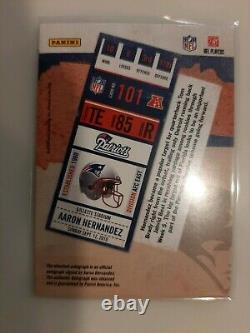 2010 Playoff contenders Aaron Hernandez Autographed Rookie Card panini